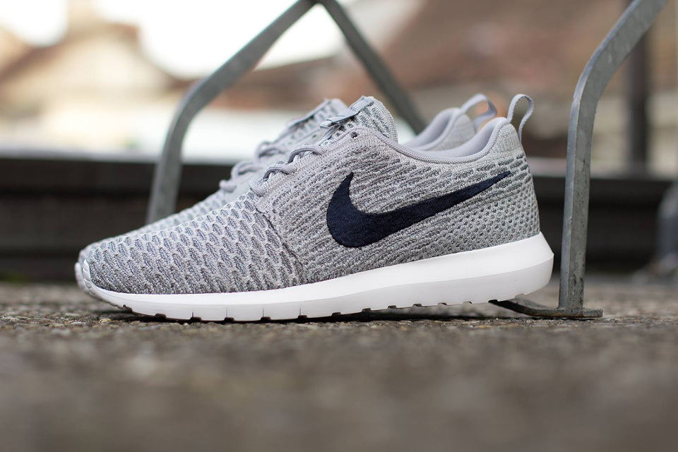 Article img liberty x nike femme roshe run linen
