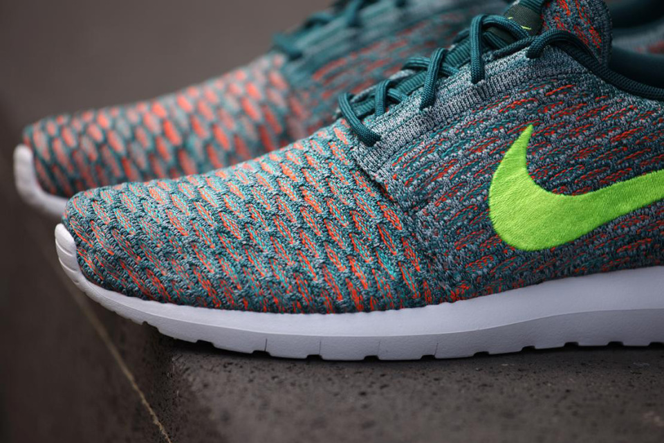 nike-roshe-flyknit-mineral-teal-02-960x640