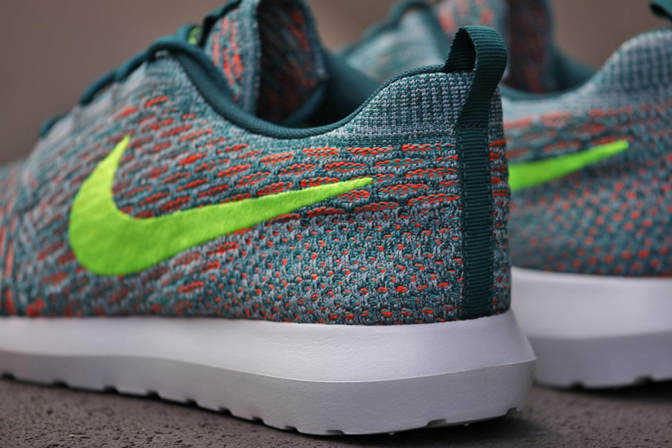 nike-roshe-flyknit-mineral-teal-03-960x640