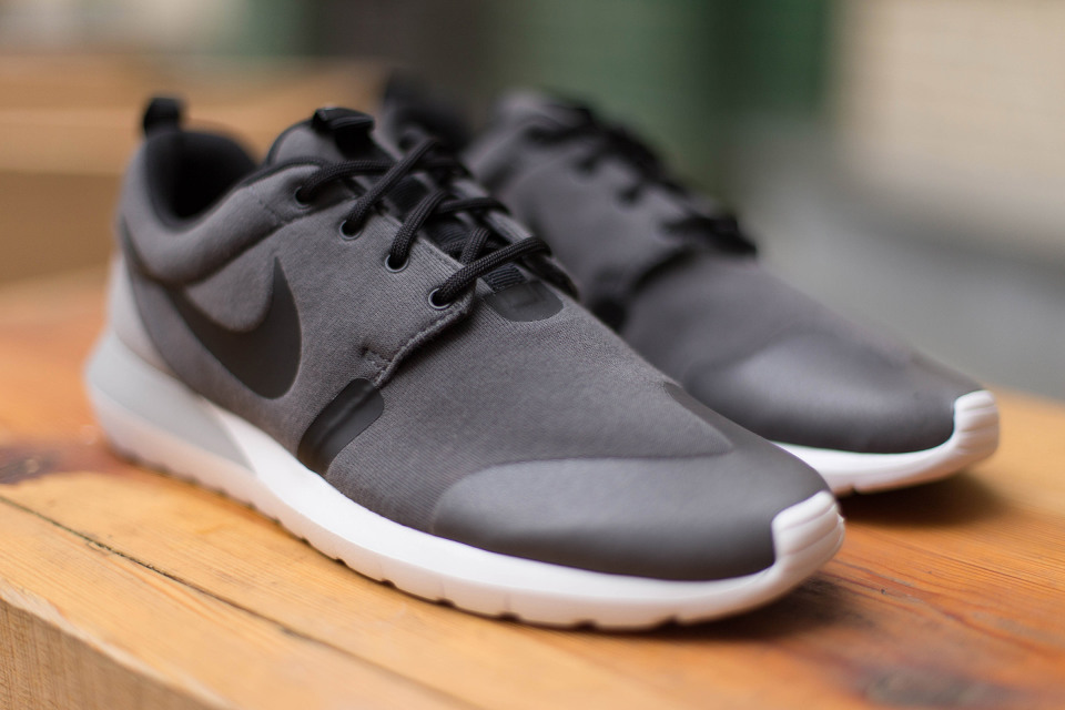 nike-roshe-run-nm-sp-05-960x640