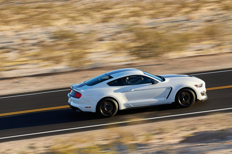 2015-ford-mustang-shelby-gt350-2