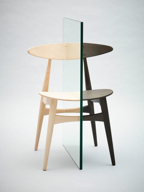 La chaise iconique de Hans Wegner réinterprétée pour la bonne cause
