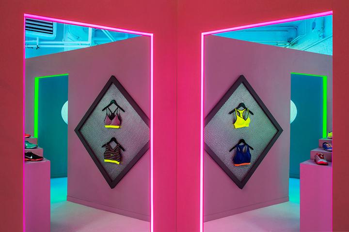 Nike-FAHO-14-presentation-by-Robert-Storey-Studio-New-York-US-04-