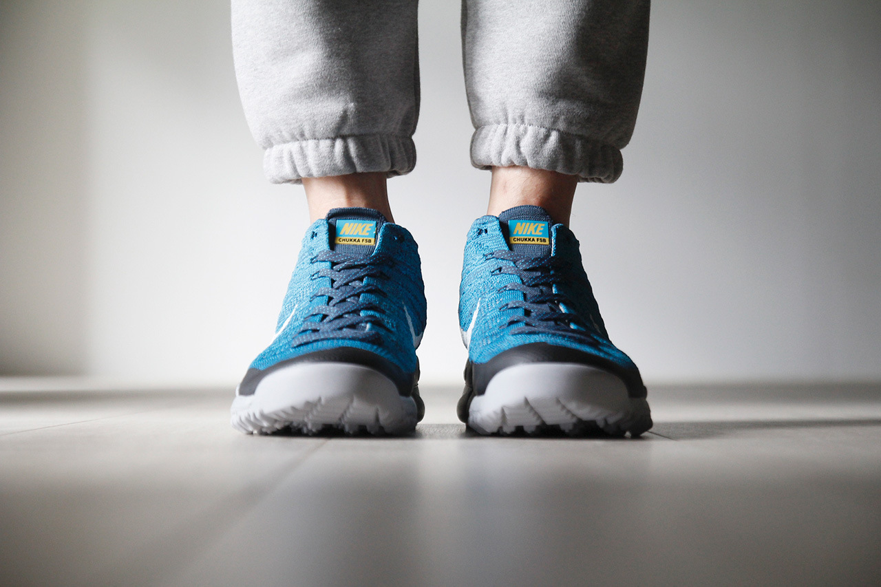 a-closer-look-at-the-nike-flyknit-trainer-chukka-fsb-squadron-blue-3