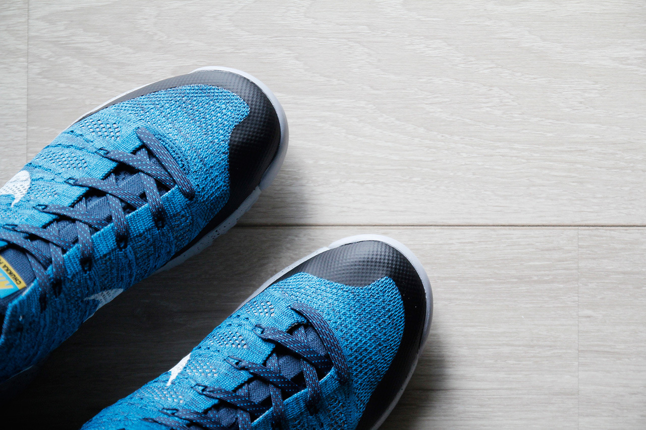 a-closer-look-at-the-nike-flyknit-trainer-chukka-fsb-squadron-blue-6