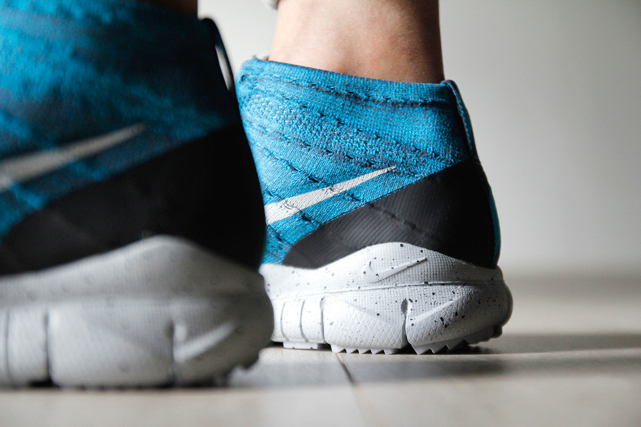 a-closer-look-at-the-nike-flyknit-trainer-chukka-fsb-squadron-blue-8