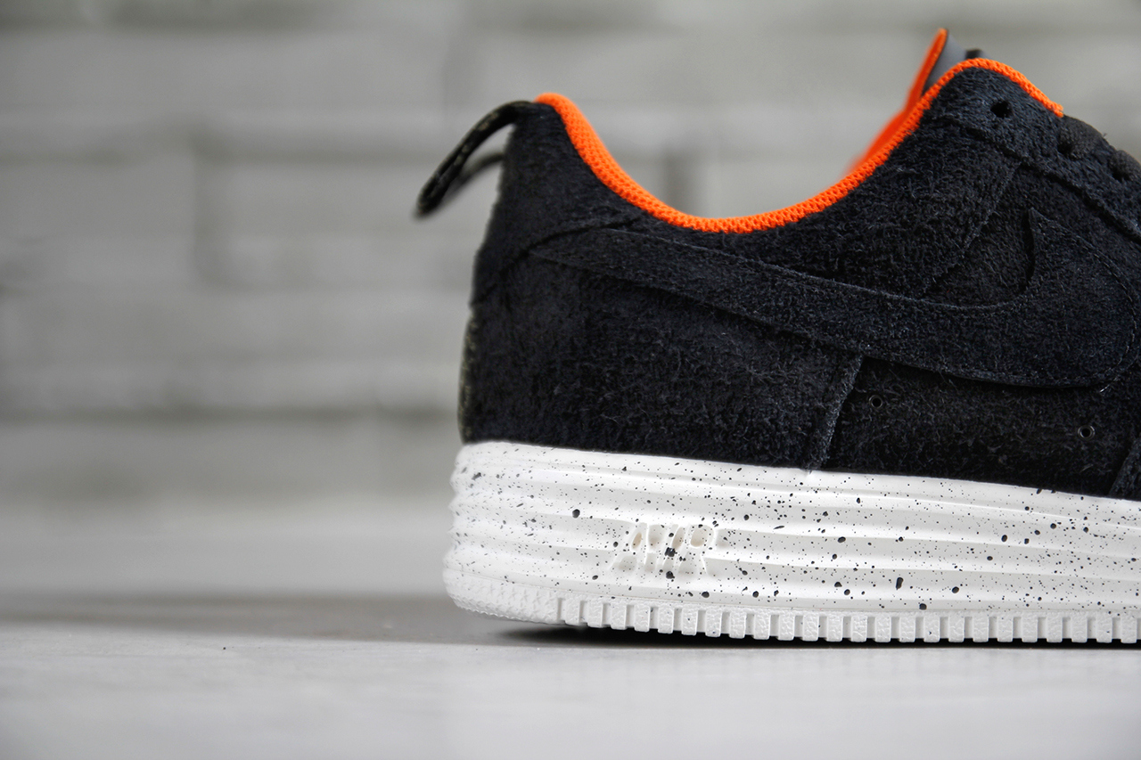 a-closer-look-at-the-undefeated-x-nike-lunar-force-1-pack-4