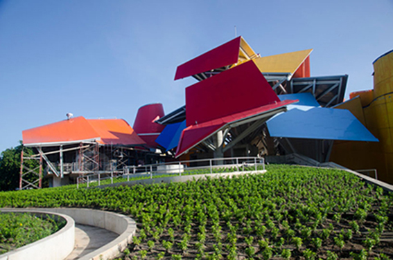 frank-gehry-biomuseum-in-panama6