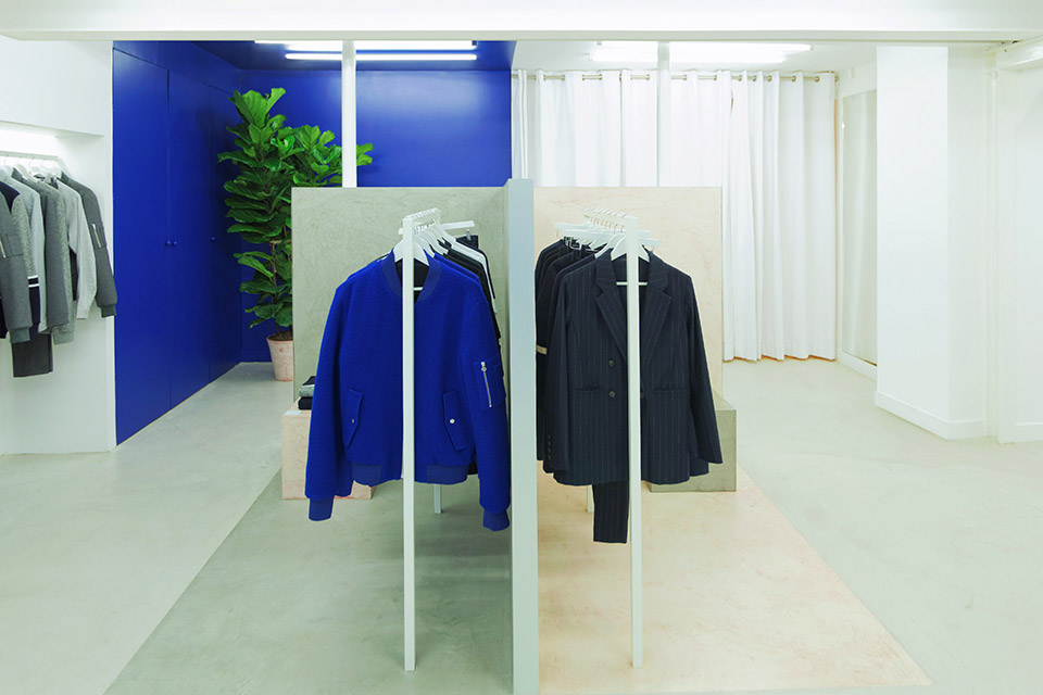 harmony-opens-first-store-paris-03