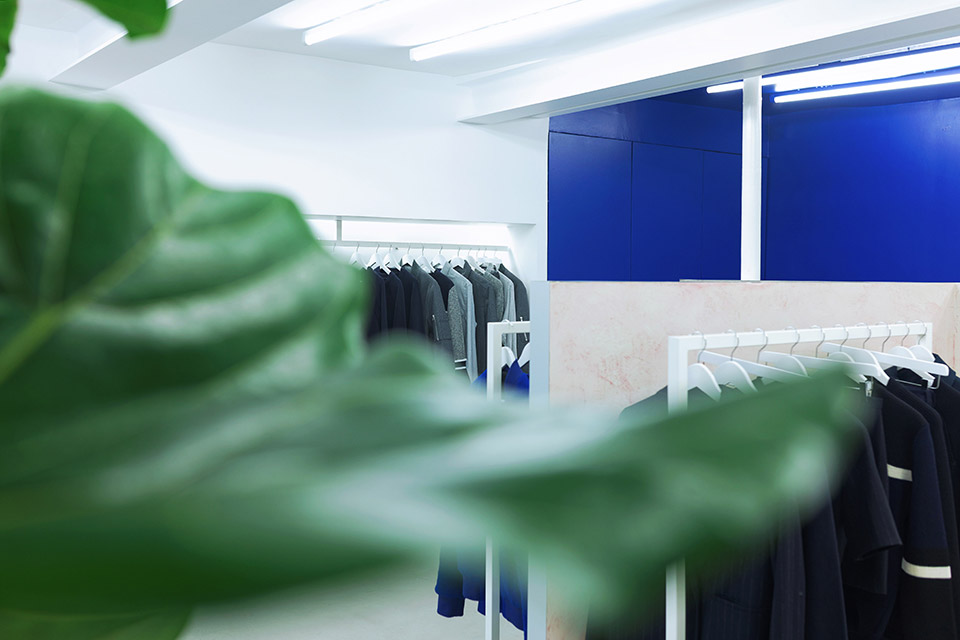 harmony-opens-first-store-paris-04