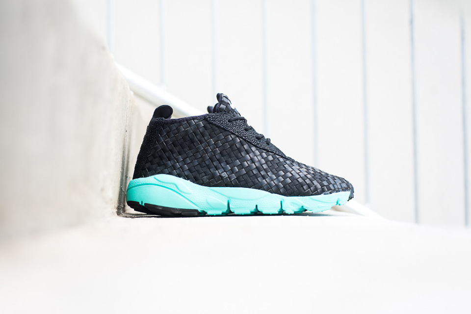 nike-air-footscape-desert-chukka-blackhyper-turquoise