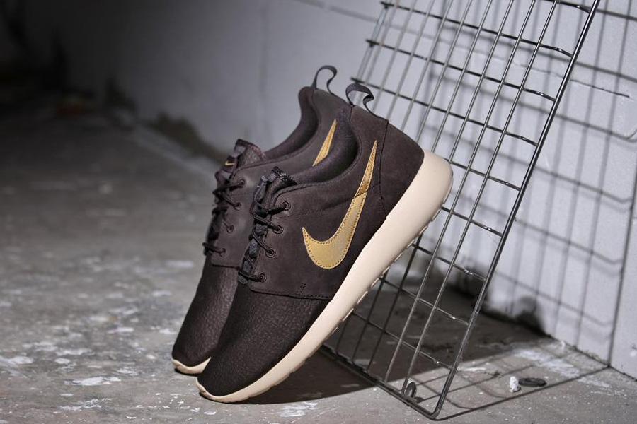 Nike Roshe Run Suede «Velvet Brown»