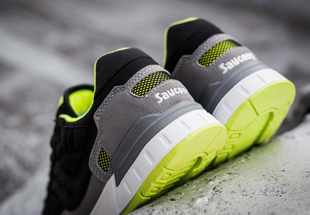 saucony-shadow-5000-grey-black-neon-volt-2