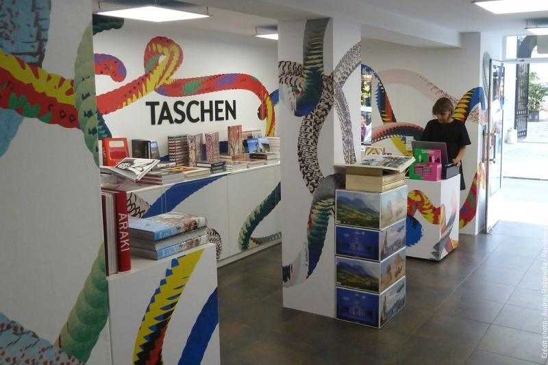taschen-pop-up-store-paris-marais-2-2599663974