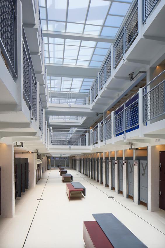 3710-architecture-design-muuuz-magazine-blog-TNA-Architectes-Piscine-Butte-Cailles-Paris-Louis-Bonnier-Paul-Kozlovski-04