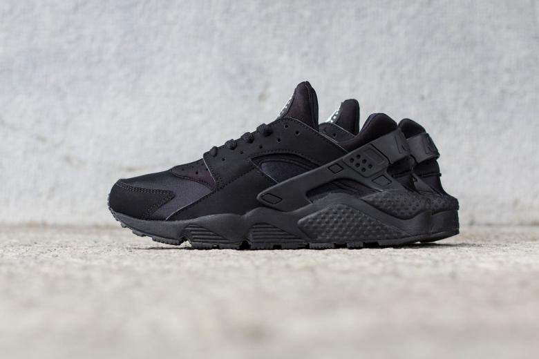 Nike Air Huarache «Triple Black»