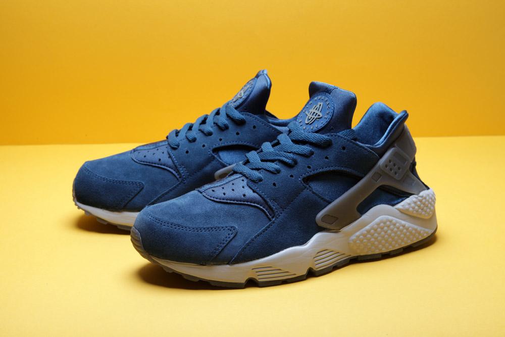 Découvrez la Nike Air Huarache «Blue Force»