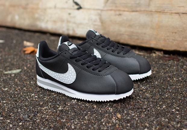 Nike WMNS Cortez Classic « Polka Dot Swoosh »