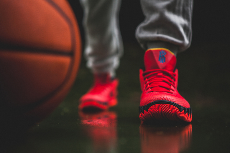 a-closer-look-at-the-nike-kyrie-1-deceptive-red-2