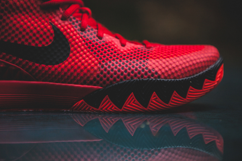 a-closer-look-at-the-nike-kyrie-1-deceptive-red-3