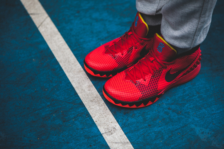 a-closer-look-at-the-nike-kyrie-1-deceptive-red-6