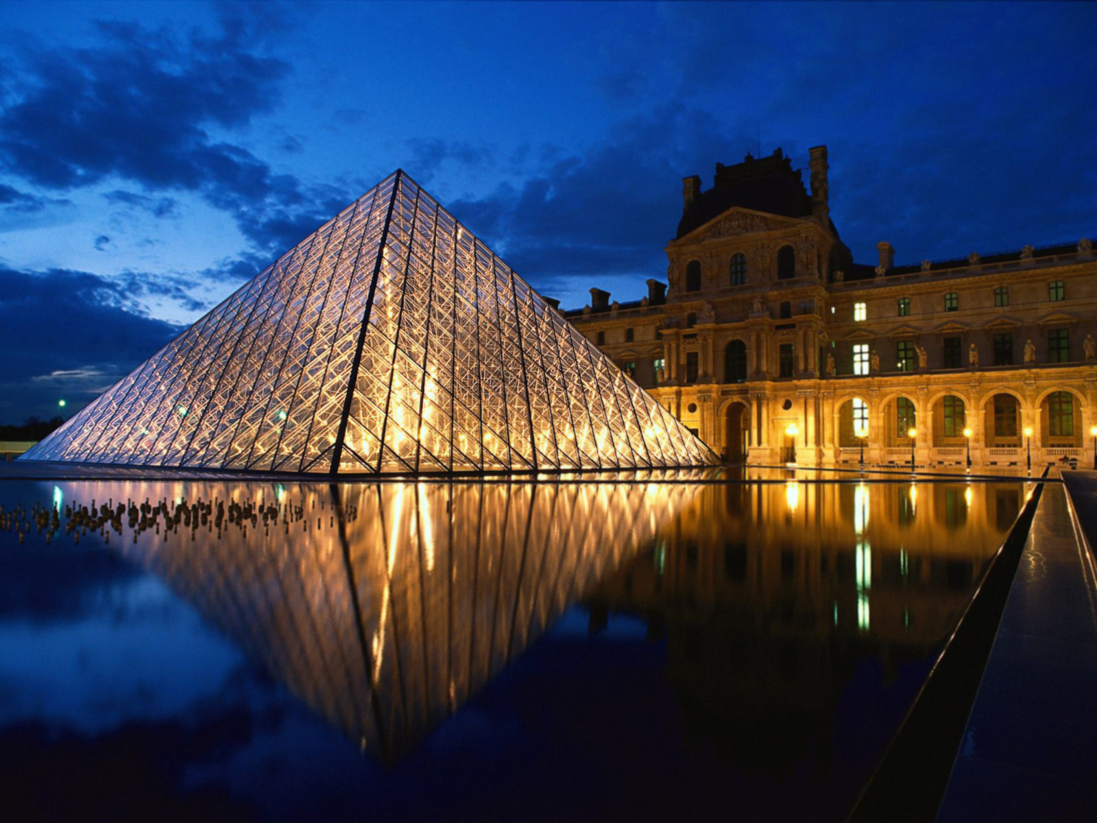 EVENEMENT : LE LOUVRE DONNE CARTE BLANCHE A JEFF MILLS