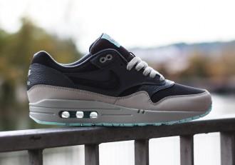 nike-air-max-1-leather-dark-ash-dark-grey-light-blue