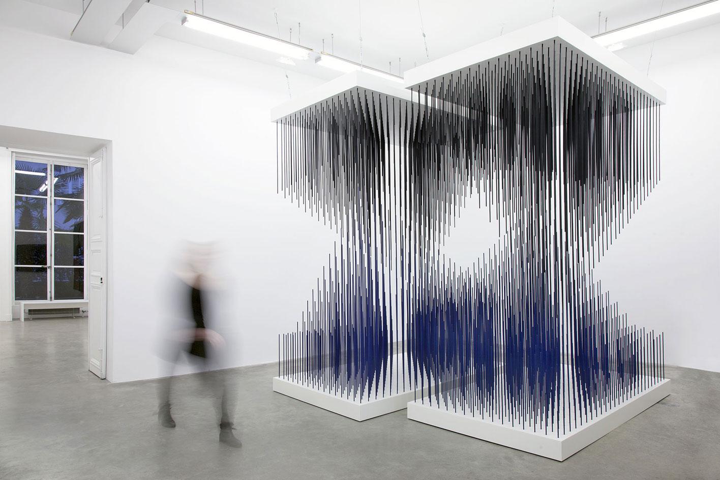 Galerie Perrotin, Jesus Rafael Soto, abstraction, installation, modernisme, art cinétique, chronochrome