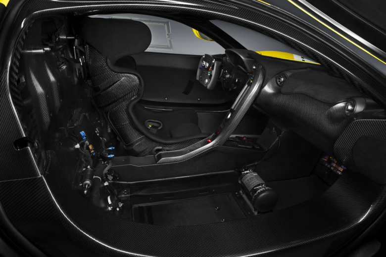 mclaren-unveils-its-986-horsepower-p1-gt-r-5