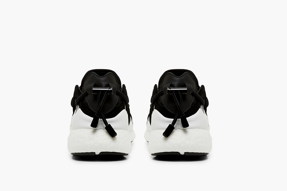 y-3-toggle-boost_black_03