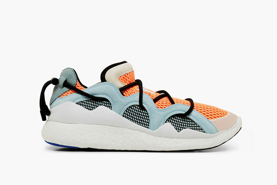 y-3-toggle-boost_blue_01