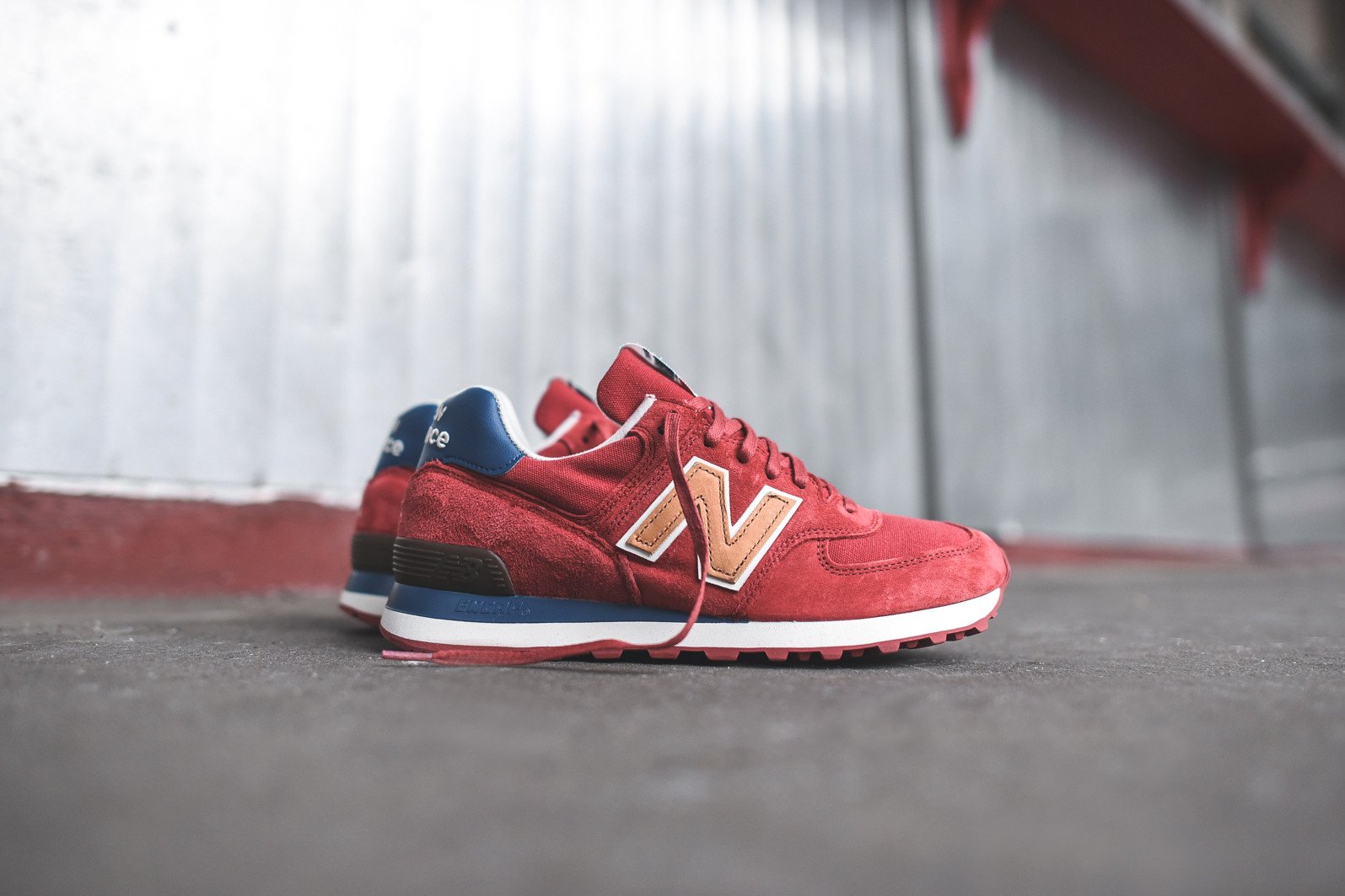 new balance 574 distinct week end bag