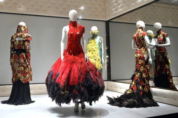 «Alexander McQueen Savage Beauty», l'exposition évènement du V&A museum