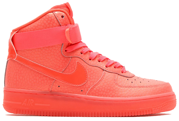 Nike air force 1 hot lava côté