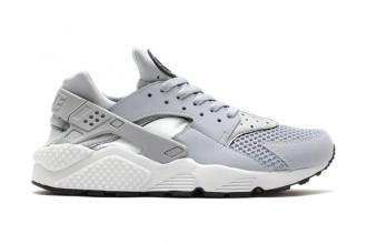nike-air-huarache-wolf-grey-pure-platinum-black-white-1