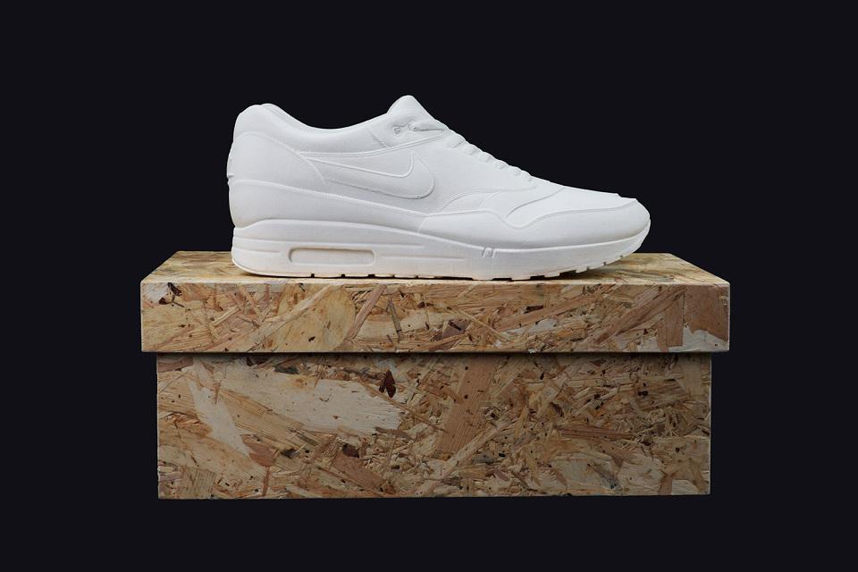 Nike Air Max 1 moulées dans le béton