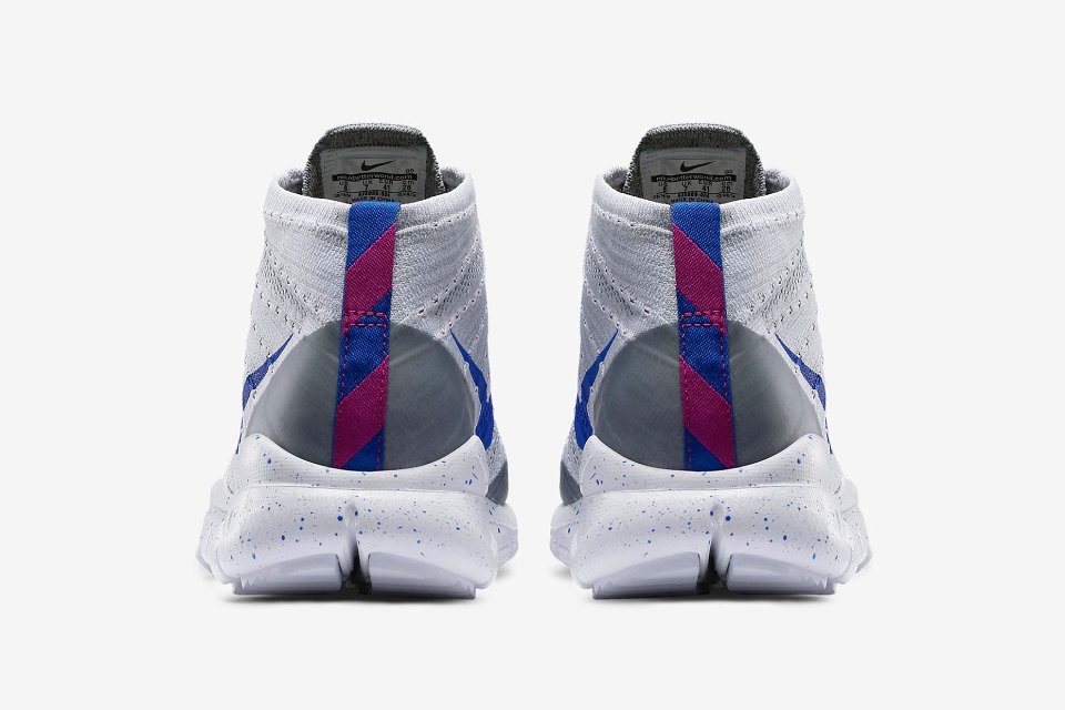 nike-flyknit-trainer-chukka-fsb-wolf-grey-white-fuchsia-flash-lyon-blue-01-960x640