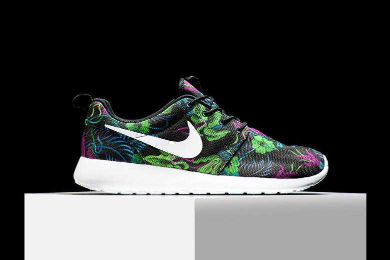 Nike Roshe Run «Smoky Lotus»