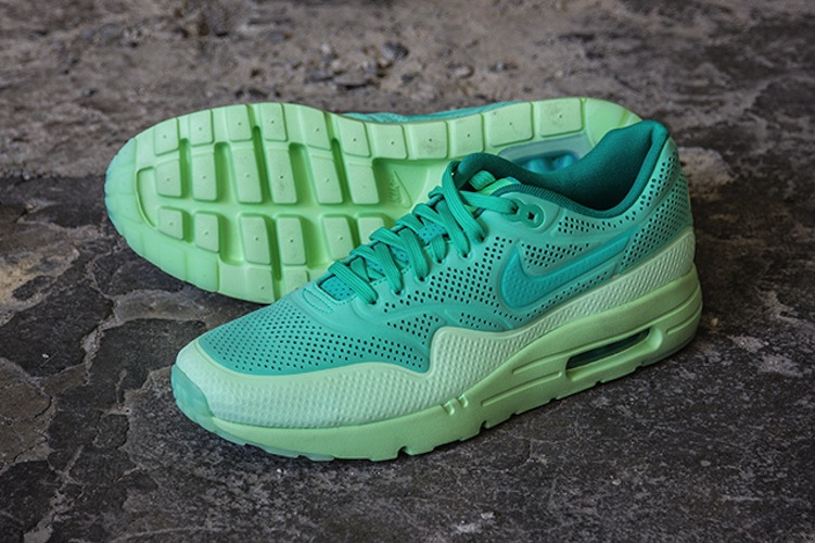 am1ultramoire-green; new nike Air max 1 ultra moire green