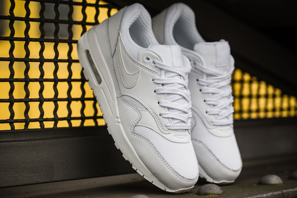 Nike Air Max 1 Ultra Essential « Triple White »