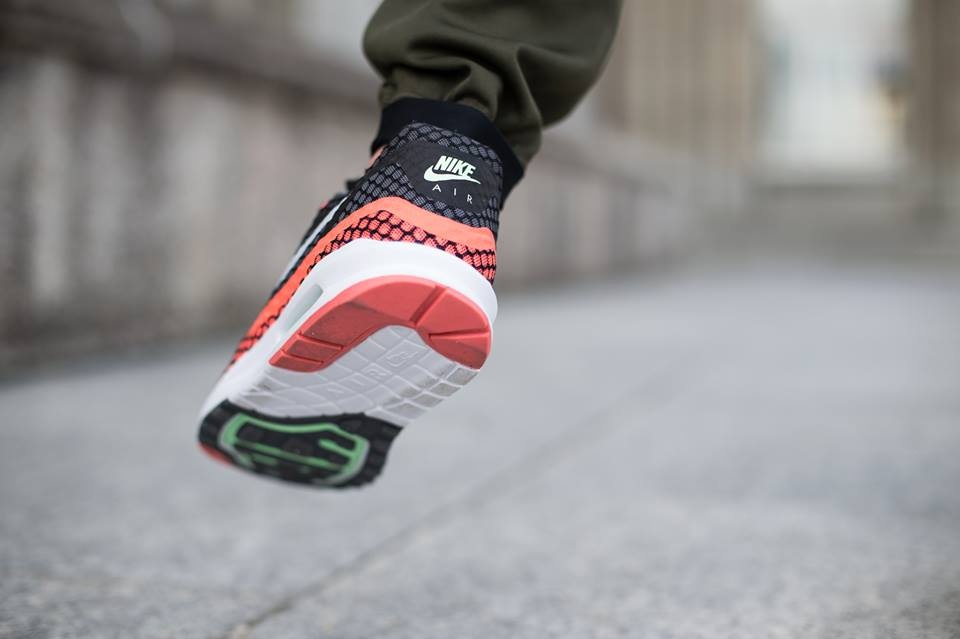 nike-air-max-lunar-1-breeze-hot-lava