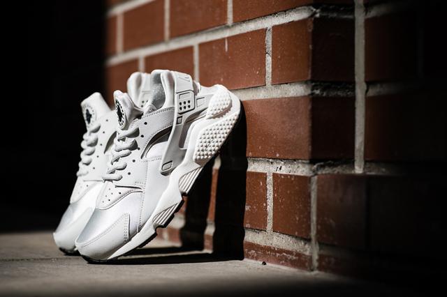 Nike Womans Air Huarache Run «Light Bone»