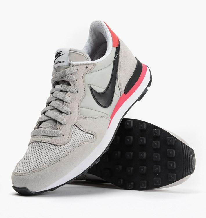 Nike Internationalist Neutral Grey