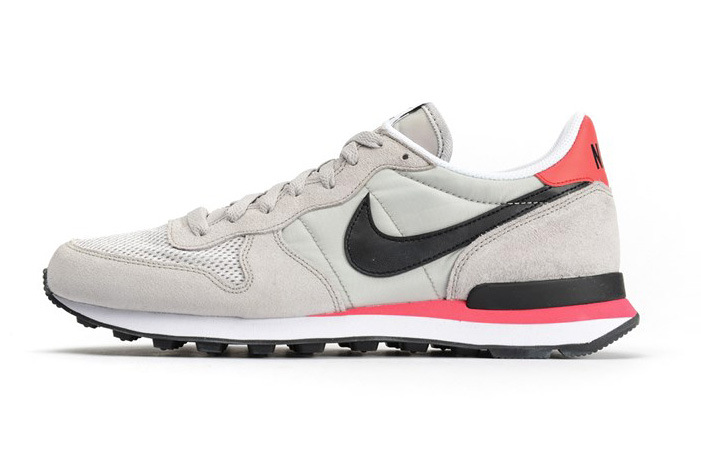 Nike Internationalist Neutral Grey