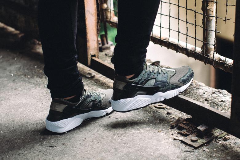 SBTG x Nike Air Huarache «AWOL camo» pour HYPEBEAST
