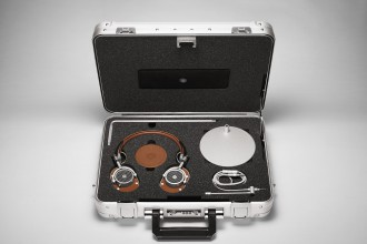 MASTER & DYNAMIC X ZERO HALLIBURTON MOBILE AUDIO TOOL KIT