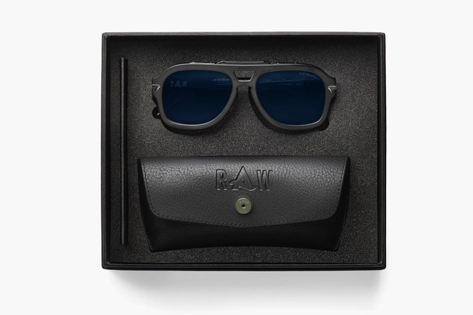 ecd2cc7dda afrojack collabore avec g star edition limite L GgZyp5 g star lunettes.  GSTAR 2