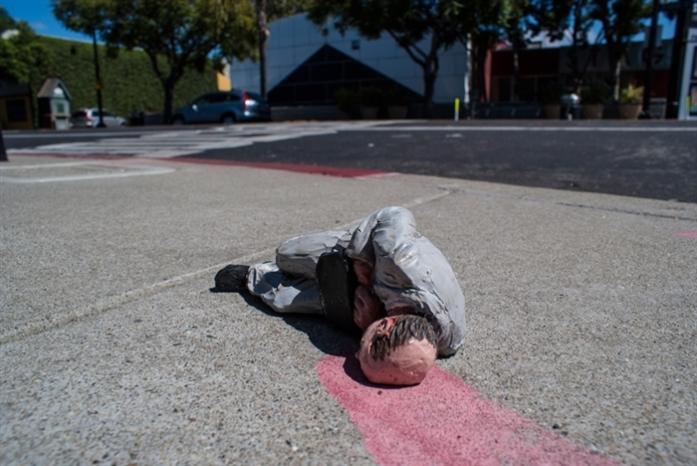 Isaac Cordal tire la sonnette d'alarme