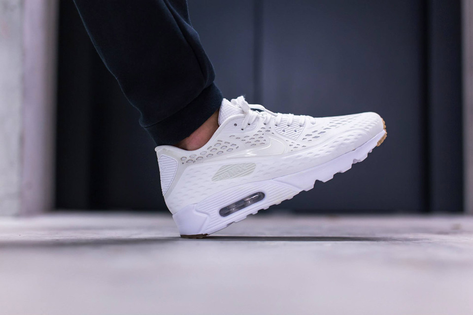 "Nike Air Max 90 Ultra Breeze ""Summit White"""