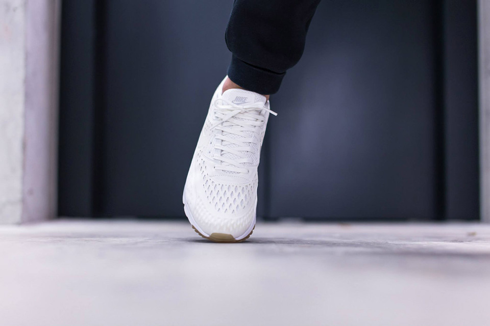 nike air max ultra breeze summit white